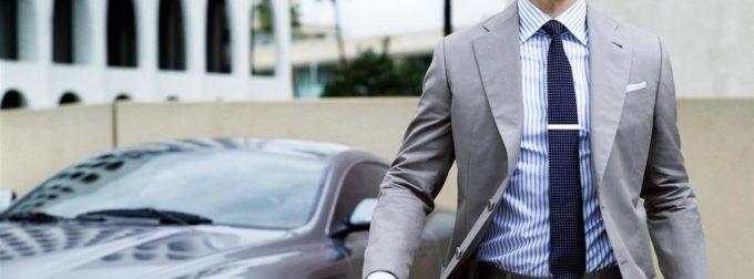 Costume cravate homme, je le porte pour aller au bureau ou pour un mariage
