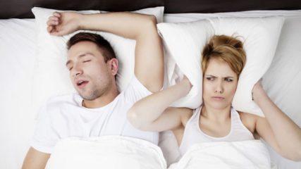 Comment dormir avec un ronfleur ?